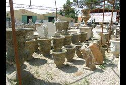 Vase statues
