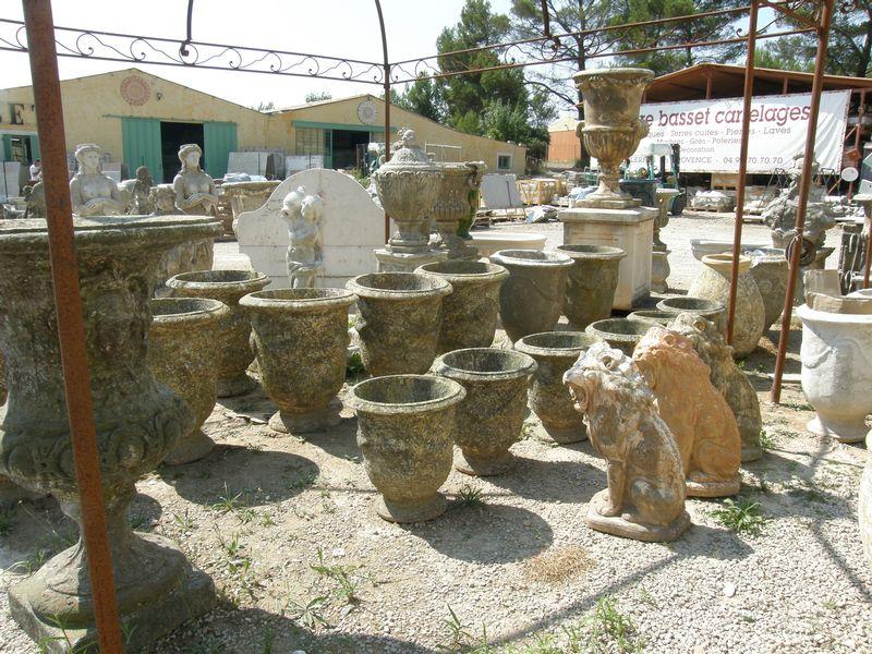poteries vases statues carrelages d corations pierre basset salernes en provence. Black Bedroom Furniture Sets. Home Design Ideas