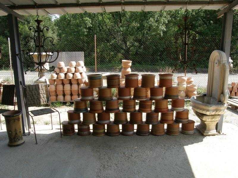 Poteries vases statues carrelages d corations pierre for Carrelage pierre basset salernes