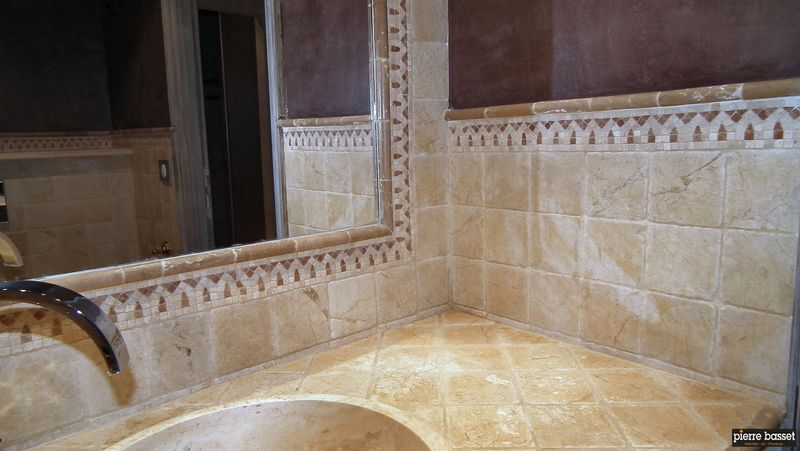 Travertins et marbres carrelages d corations pierre for Carrelage pierre basset salernes